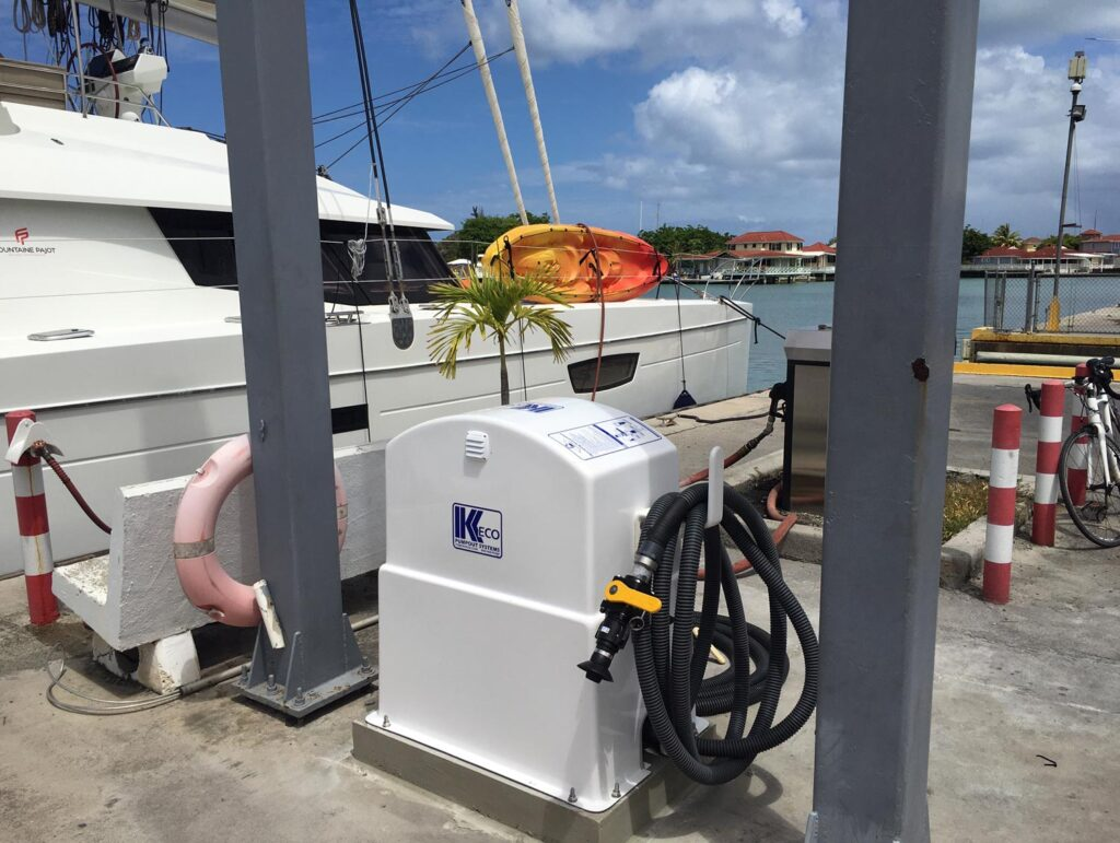 Pump out and fuel dock
